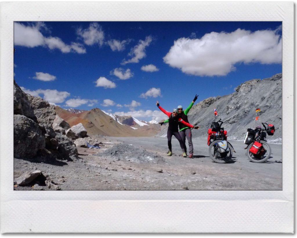 Gipfel Pamir-Highway mit dem Rad
