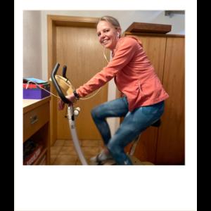 baerbel-auf-hometrainer