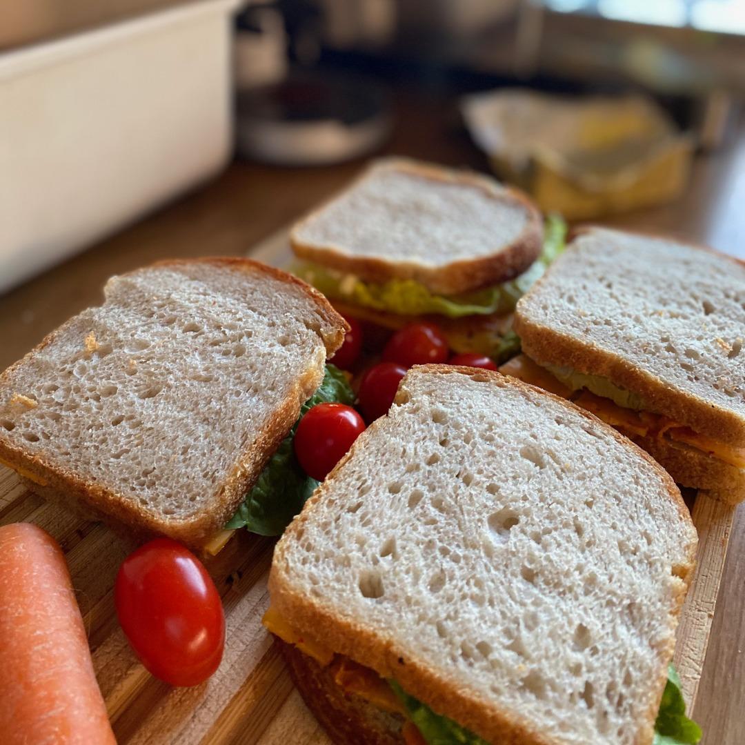 Belegte Brote-Tomaten-Karotte