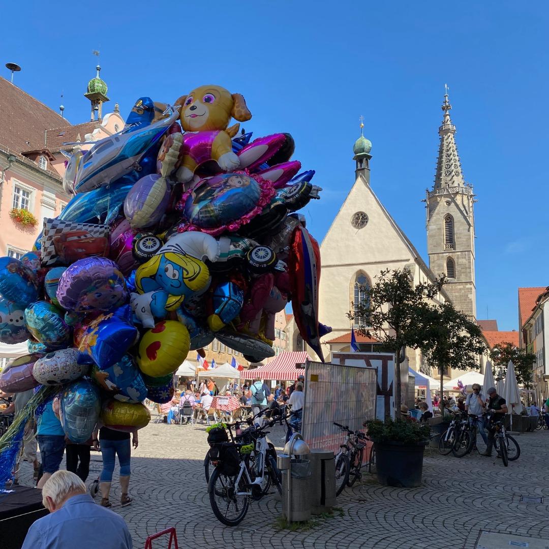 Marktplatz Rottenburg Luftballons