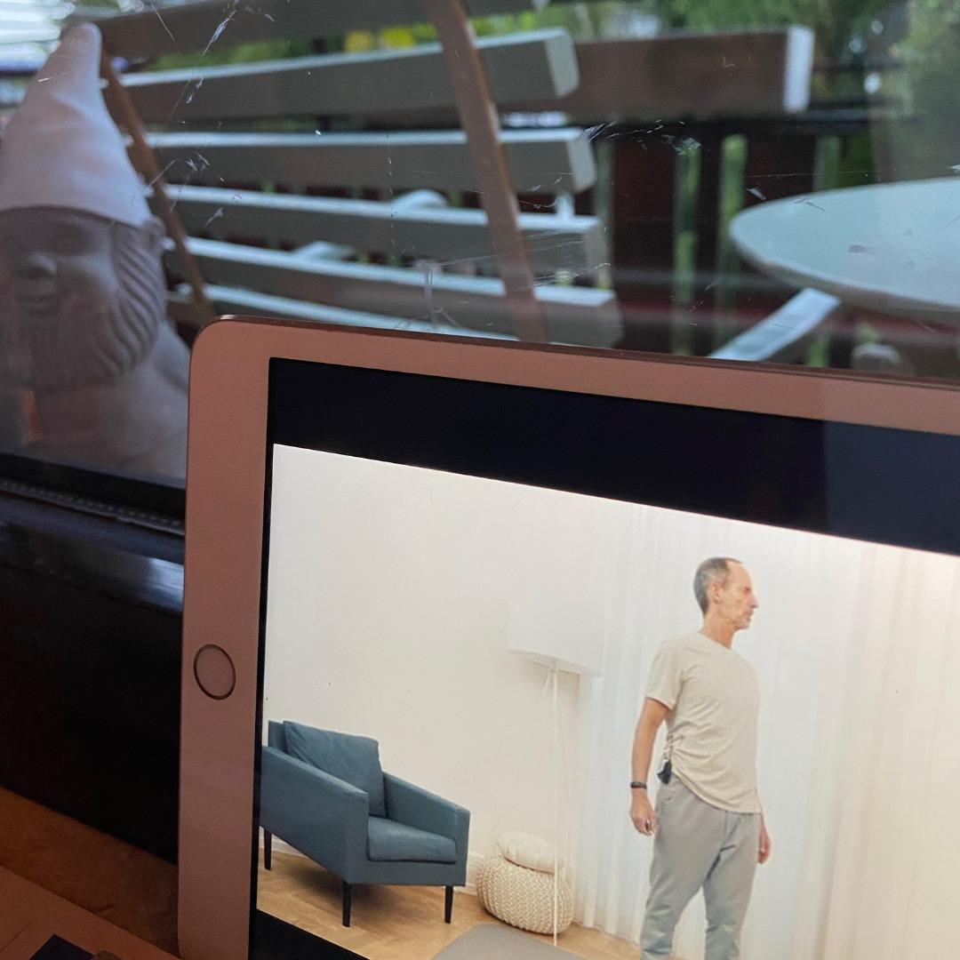 #12von12-tablet vor dem Fenster